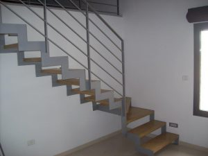 גרם-מדרגות-ברזל-20