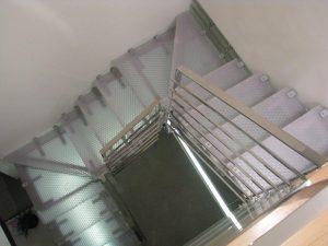 גרם-מדרגות-06