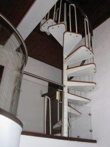 גרם-מדרגות-34