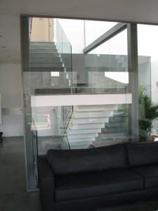 מחיצות-וקירות-זכוכית-10