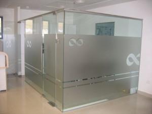 מחיצות-וקירות-זכוכית-15