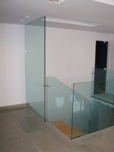 מחיצות-וקירות-זכוכית-23