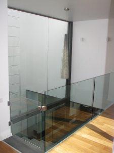 שער-זכוכית-למדרגות-20